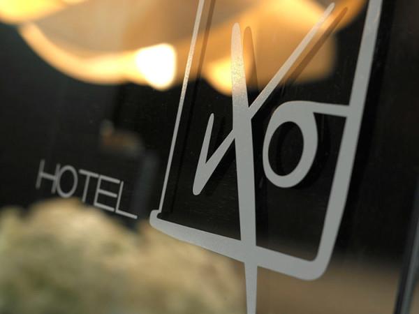IXO [IXO' HOTEL]